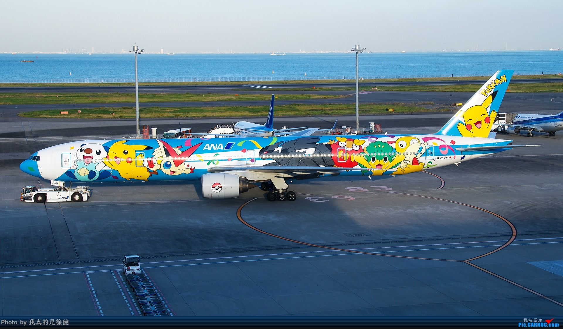 [原创]【一图党】1920x1080 全日空 Boeing777-300 JA754A 口袋妖怪涂装 BOEING 777-300 JA754A 日本东京羽田国际机场