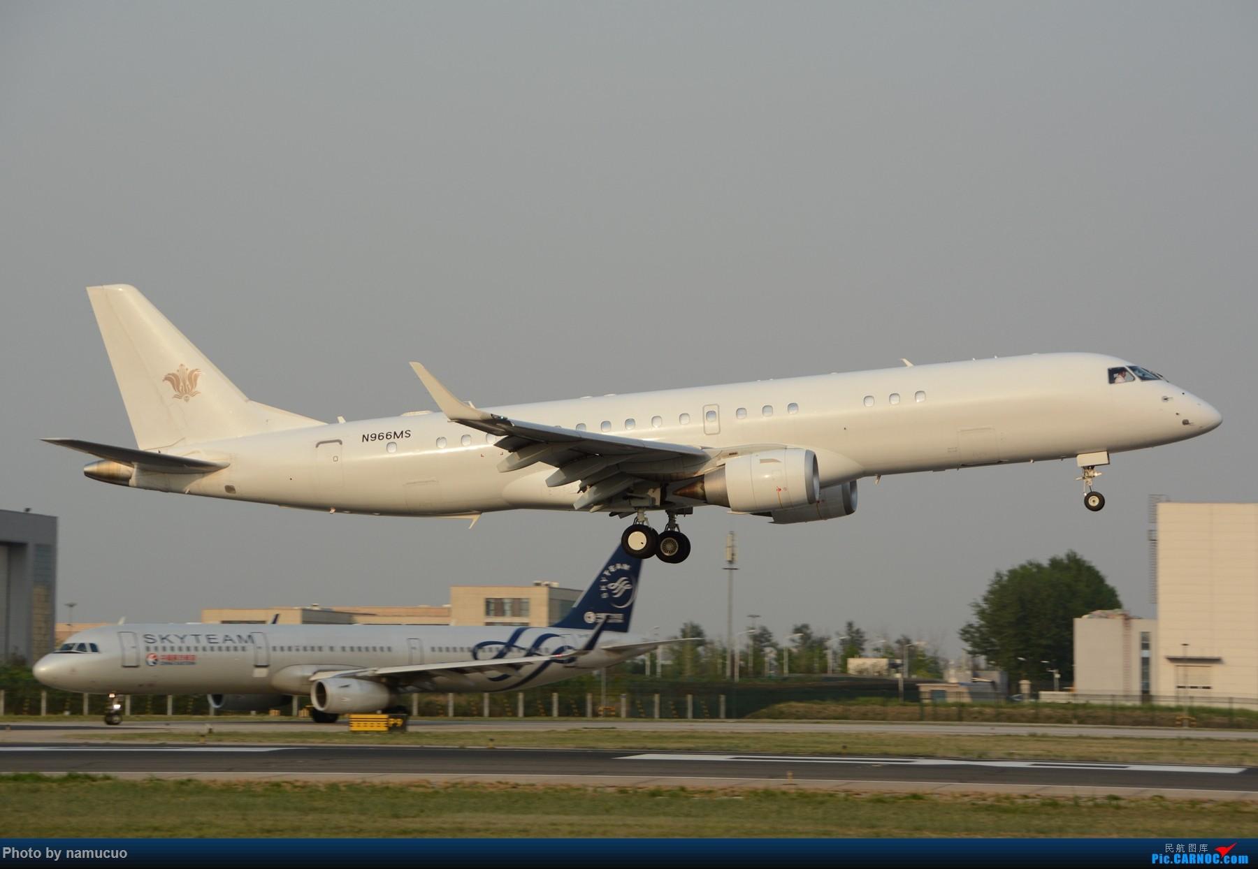 Re:[原创]白板机,感觉蛮漂亮的,不知哪个外航的E190 EMBRAER E-190