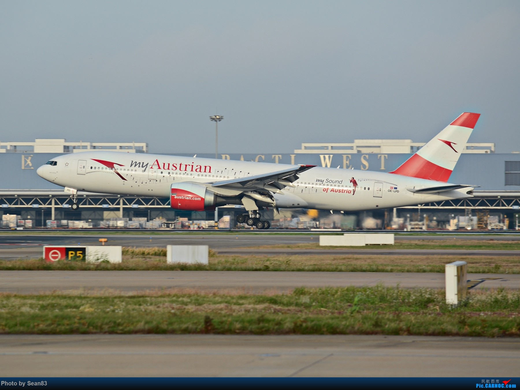 Re:[原创](PVG1080*) 奥地利 蓝色多瑙河 彩绘降落 BOEING 777-200ER OE-LPD 上海浦东国际机场