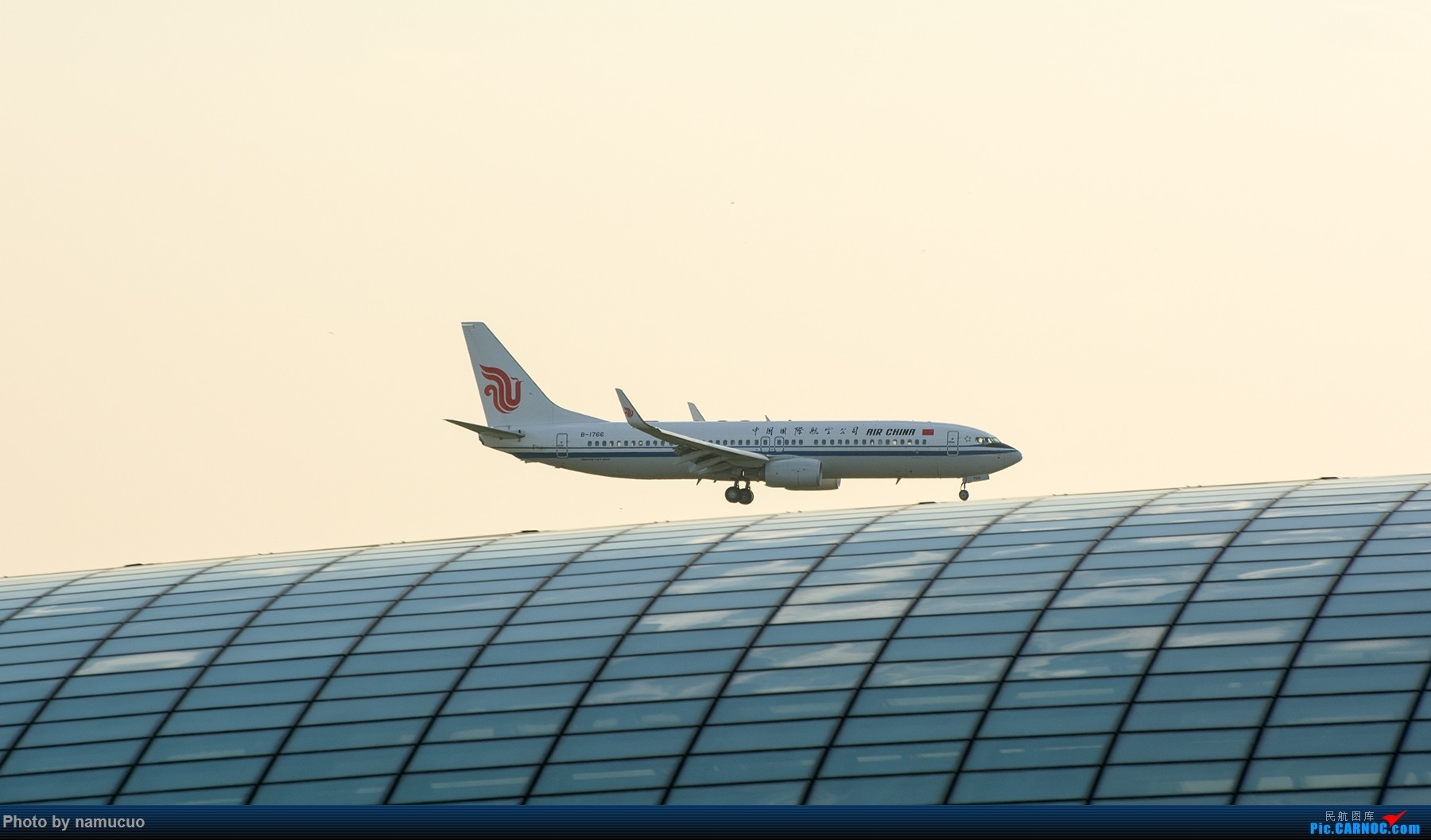 Re:[原创]【PEK】【专题】降落在穹顶之上(二)这次没有柳絮 BOEING 737-800 B-1766