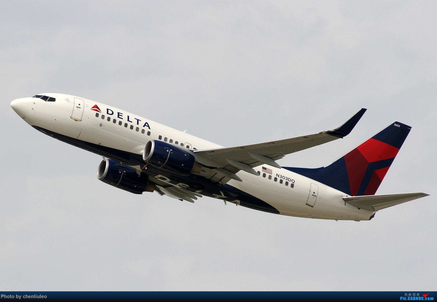 Re:[原创]【北美飞友会】芝加哥奥黑尔机场首拍 BOEING 737-700 N303DQ 美国芝加哥奥黑尔国际机场