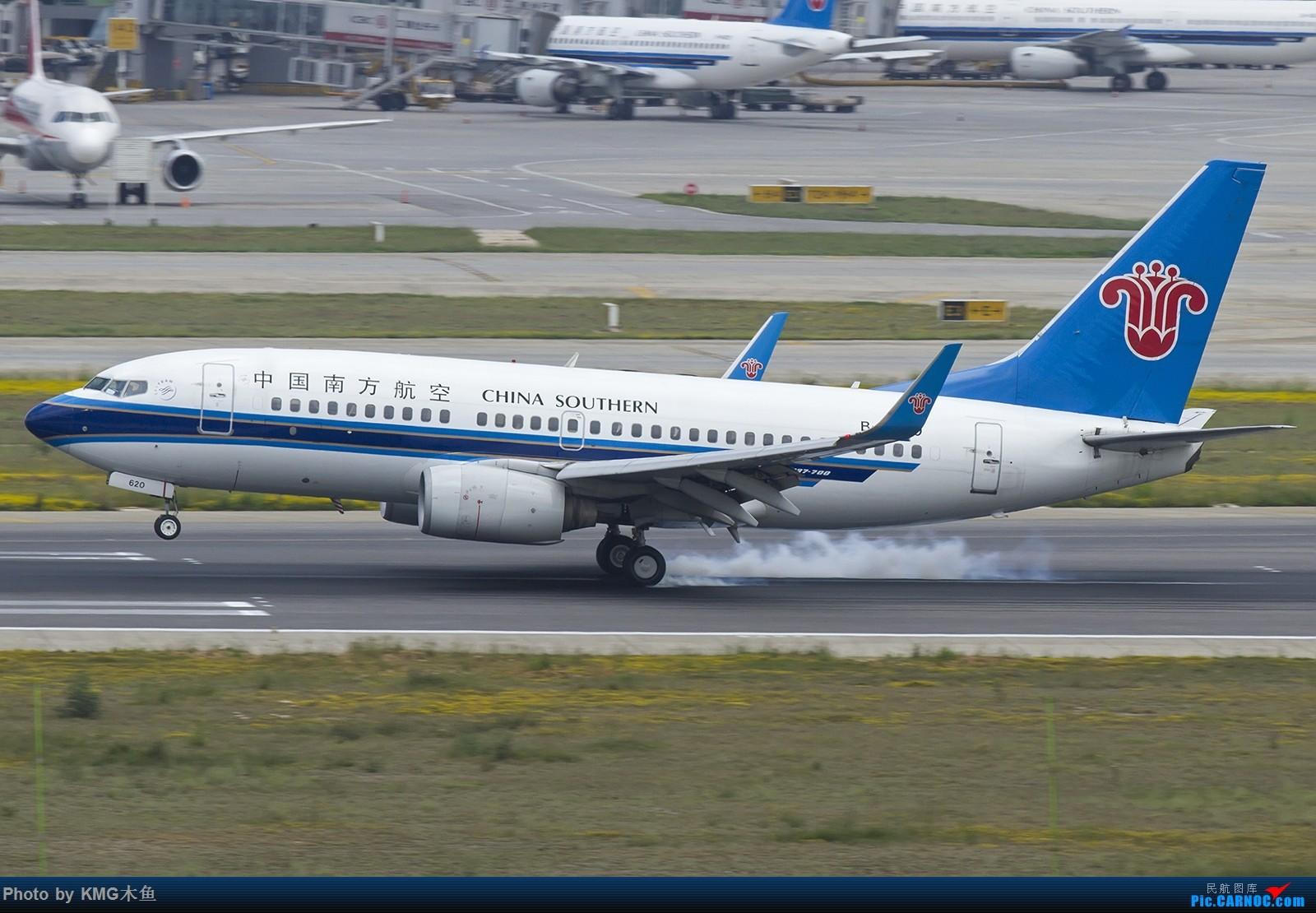 Re:[原创]【昆明长水国际机场——KMG木鱼拍机】第一次拍03落地擦烟 BOEING 737-700 B-2620 中国昆明长水国际机场