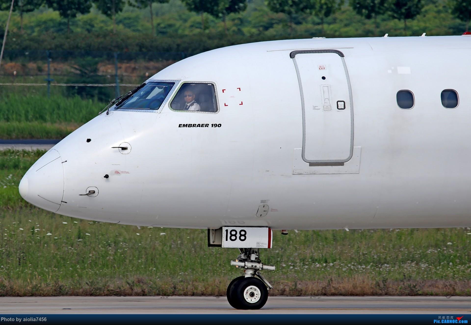 Re:[原创]【霸都打鸡队】F4新桥拍机!(爆人) EMBRAER E-190 B-3188 中国合肥新桥国际机场