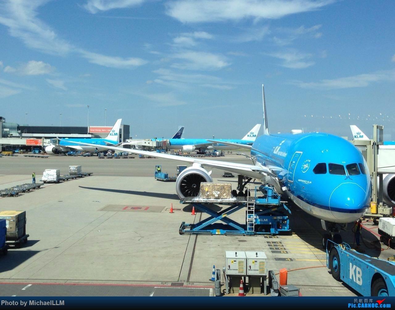 [原创]随手拍几张AMS的KLM(爪机)    荷兰阿姆斯特丹史基浦机场