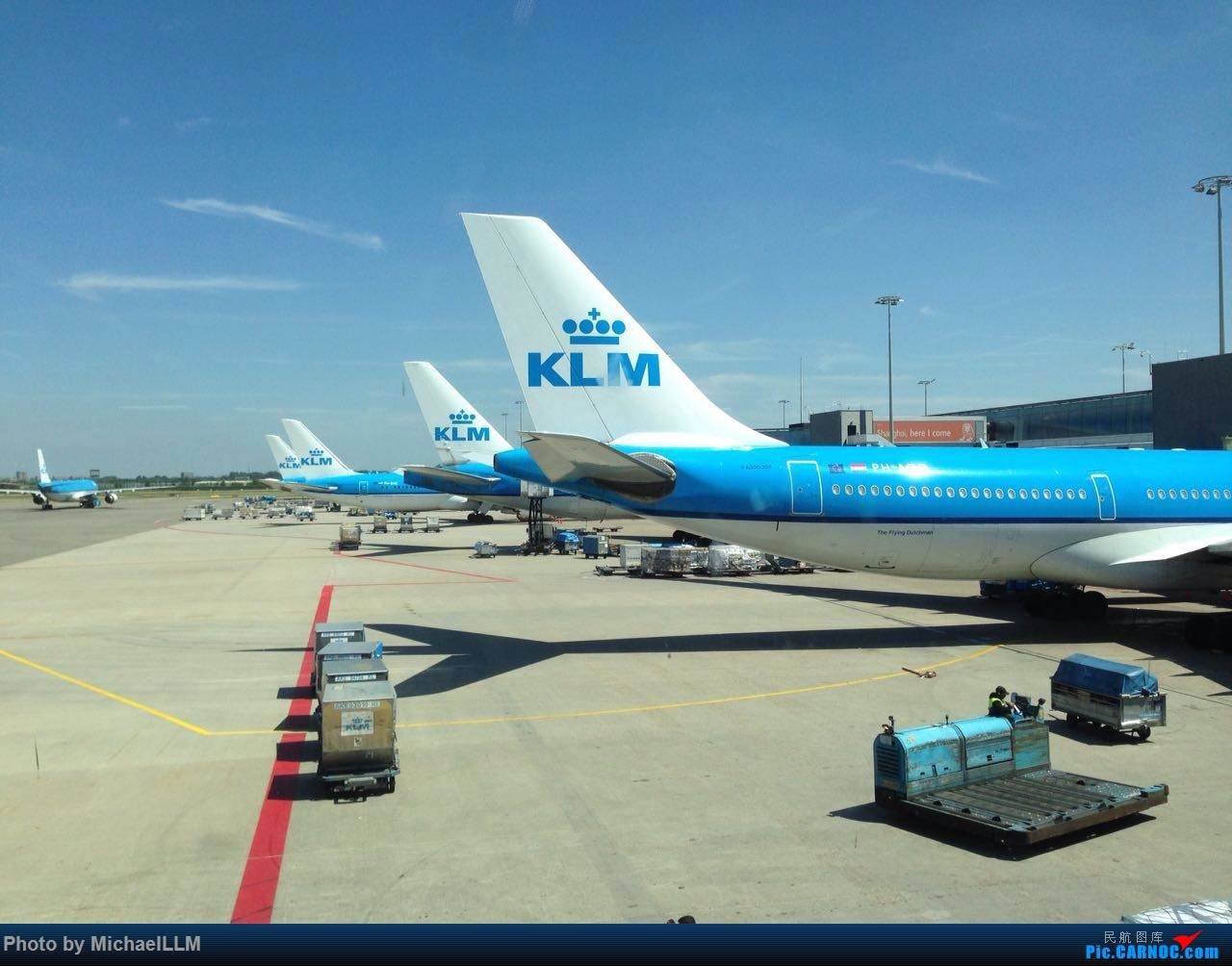 Re:[原创]随手拍几张AMS的KLM(爪机)    荷兰阿姆斯特丹史基浦机场