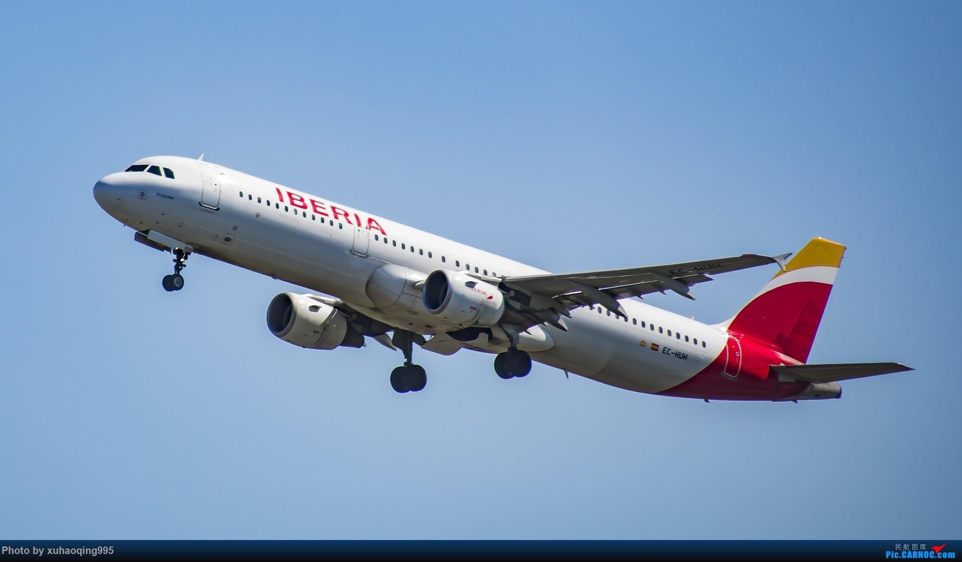 Re:[原创]罗马机场(FCO)拍机 AIRBUS A321 EC-HUH 意大利菲乌米奇诺机场