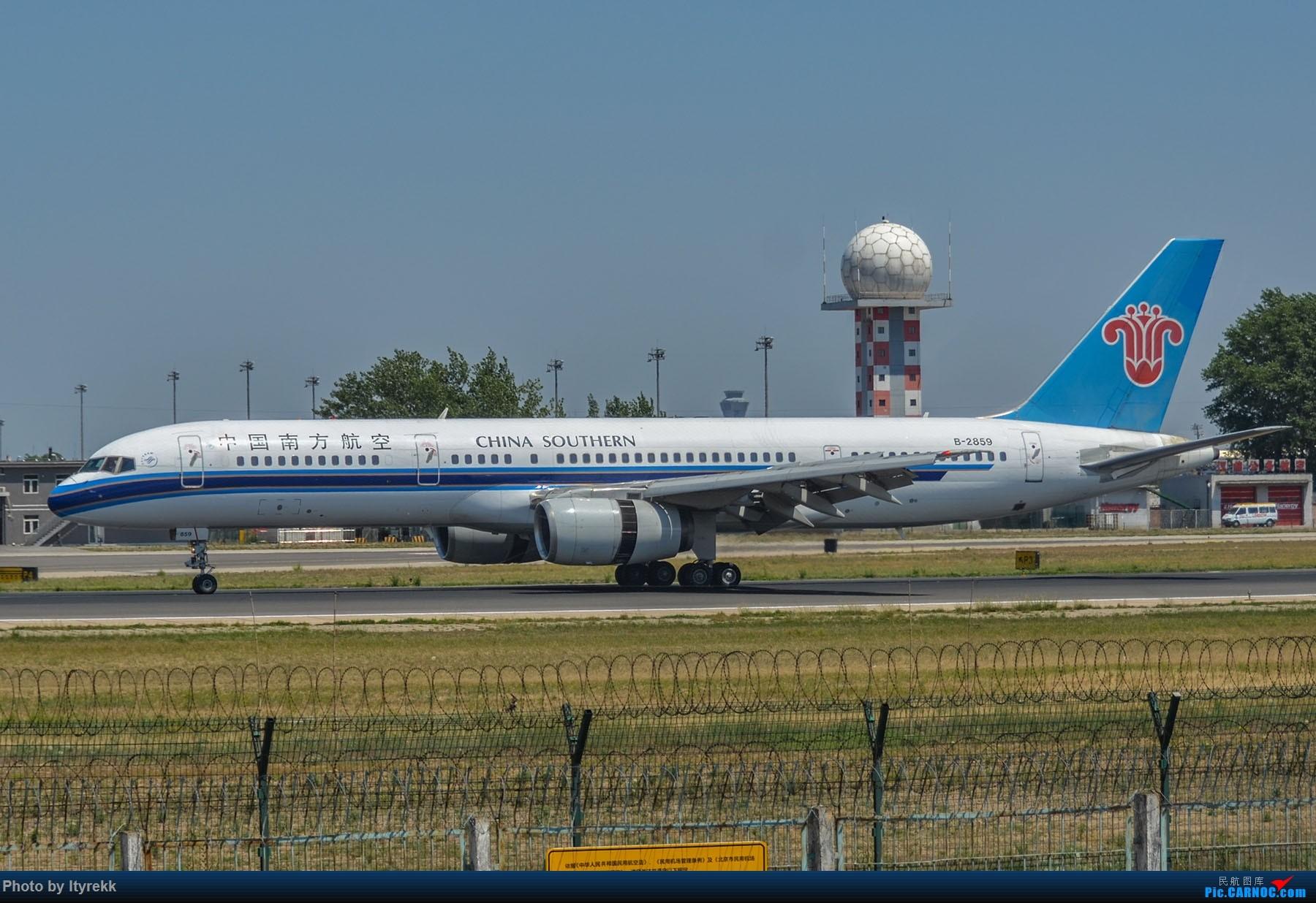 Re:[原创]很久没有发图了。PEK二十里铺的一下午 BOEING 757-200 B-2859 中国北京首都国际机场