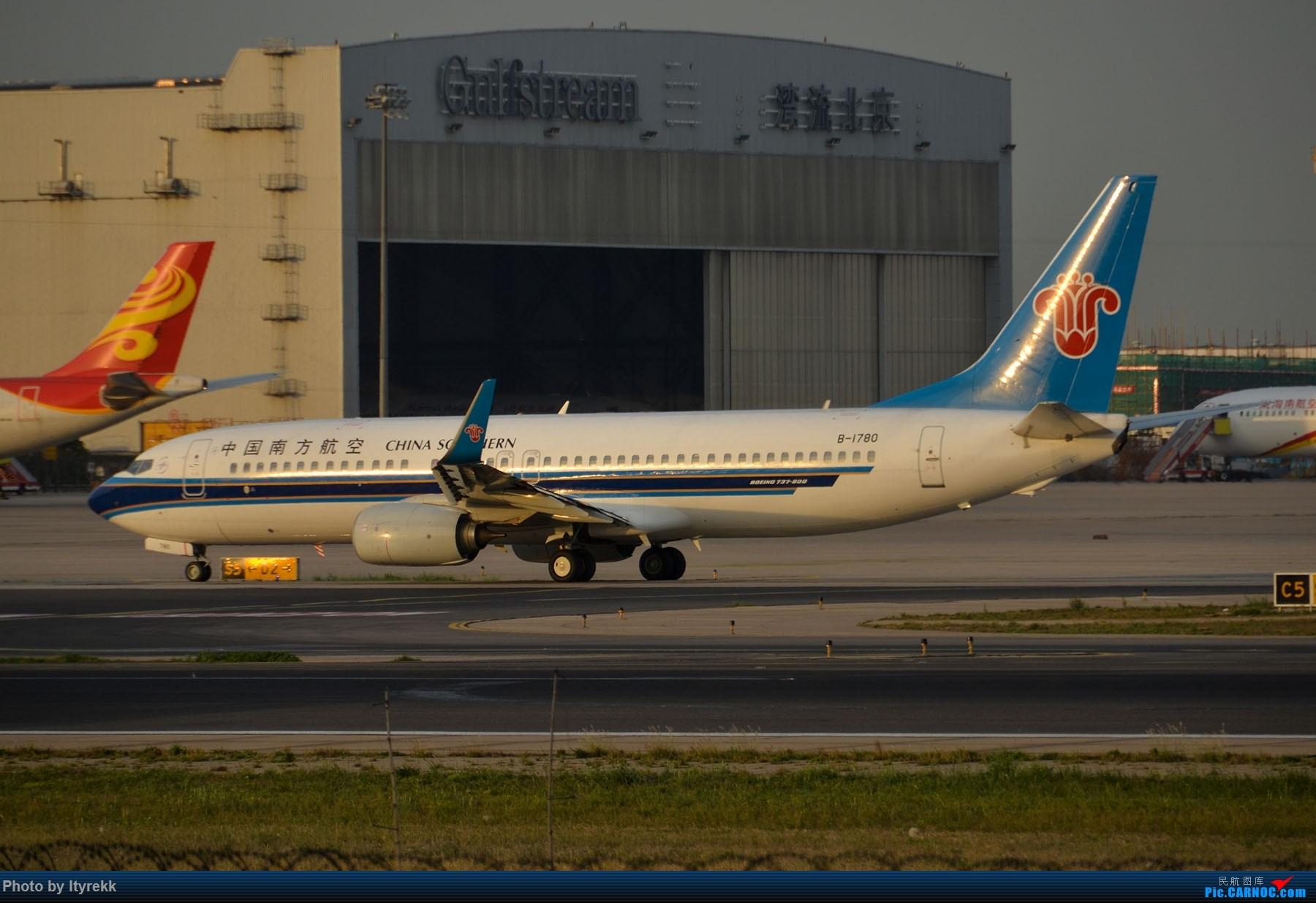 Re:[原创]很久没有发图了。PEK二十里铺的一下午 BOEING 737-800 B-1780 中国北京首都国际机场