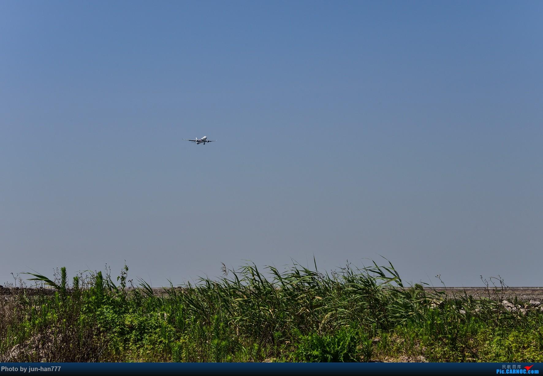 [原创]PVG 晴朗的天空,靓丽的大鸟 AIRBUS A330