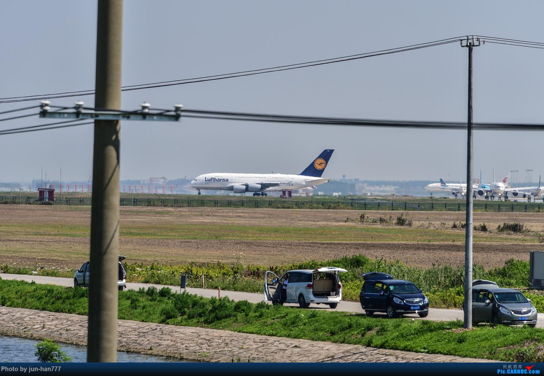 Re:[原创]PVG 晴朗的天空,靓丽的大鸟 AIRBUS A380
