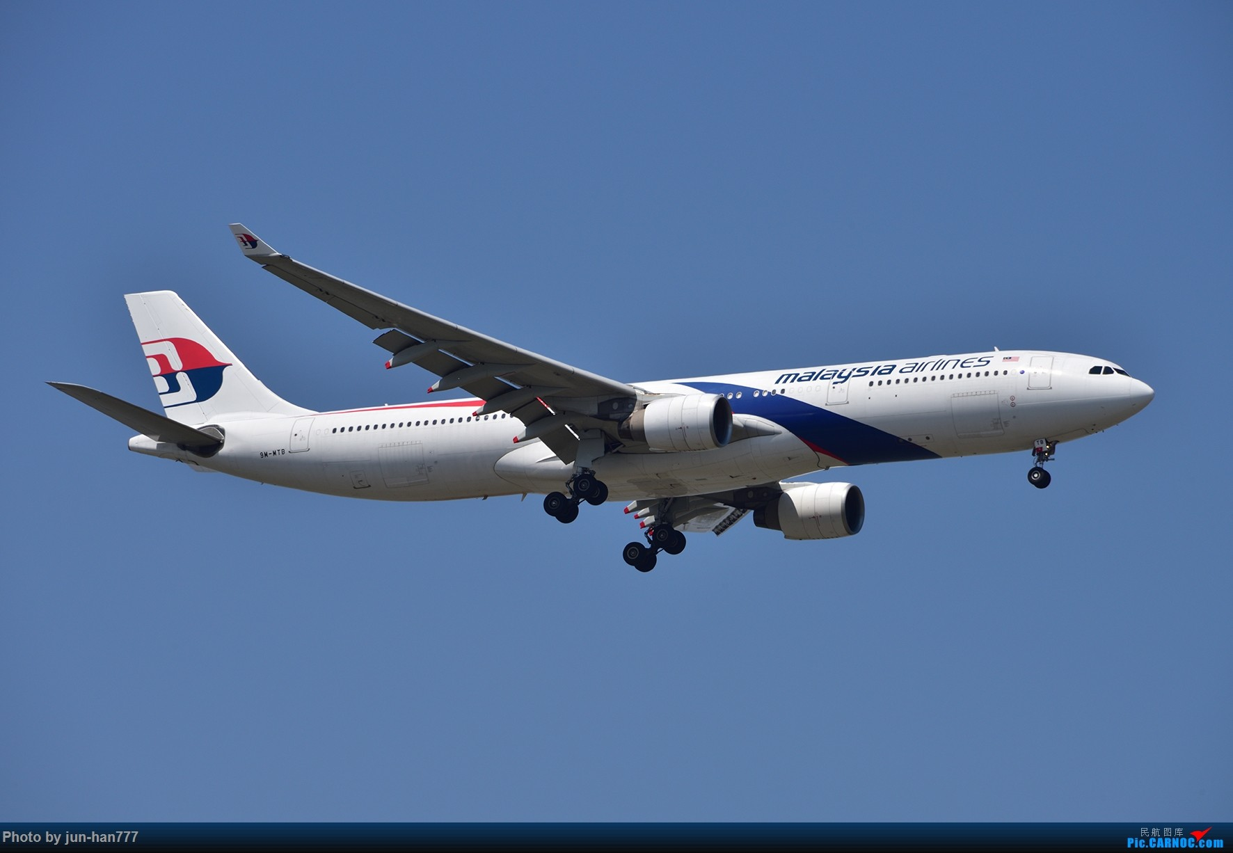 Re:[原创]PVG 晴朗的天空,靓丽的大鸟 AIRBUS A330