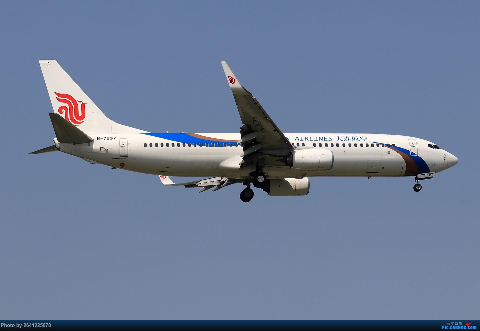 Re:[原创]*****试新机+新镜***** 1920(烂天+地热+渣技术,望大佬多多包涵) BOEING 737-800 B-7597 中国北京首都国际机场