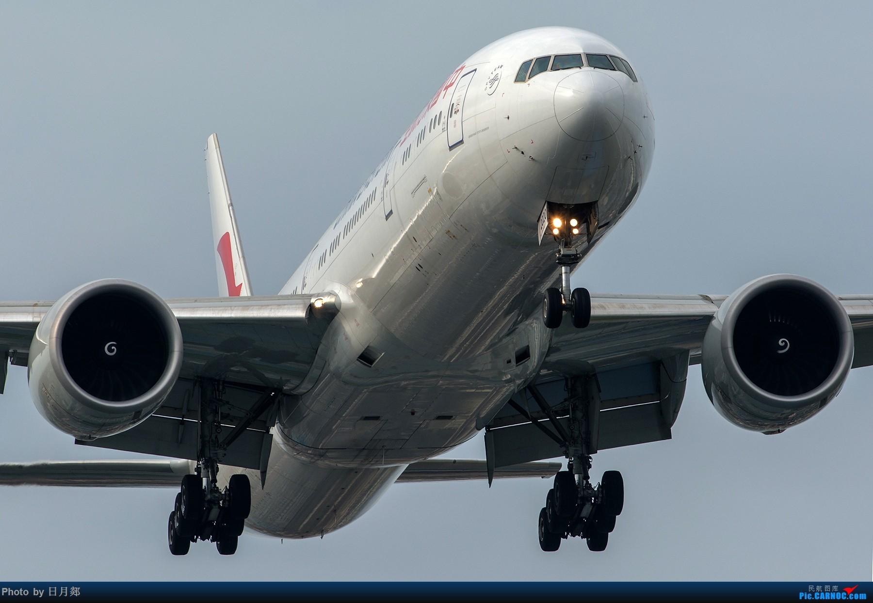 Re:[原创]【虹桥】赶在雷雨来临之前来两张 BOEING 777-300ER B-2020 中国上海虹桥国际机场