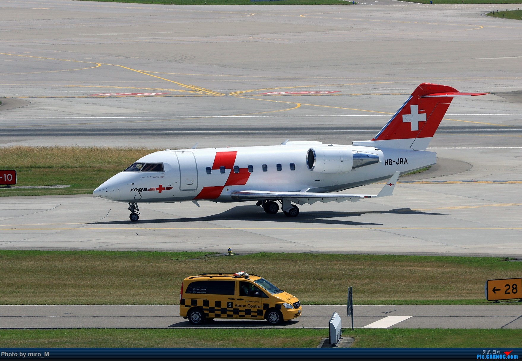 Re:[原创]欧洲浪了一圈,CS100,BAE146,fokker70等新老机型串着飞+ZRH,MUC,FRA,AMS,TLS拍机 BOMBARDIER BD-100 HB-JRA ZRH