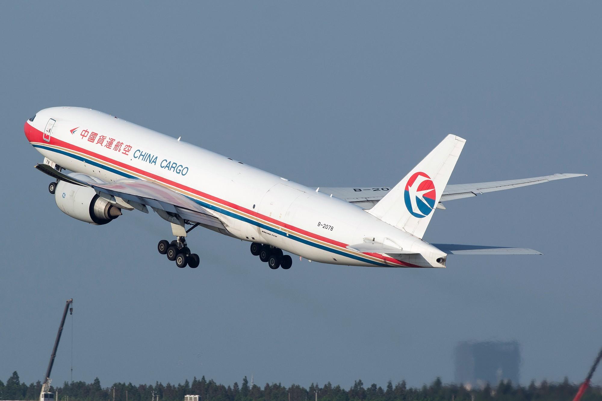 Re:[原创][PVG] 庆祝升级777,发一组777cargo Y(^_^)Y BOEING 777-200F B-2078 中国上海浦东国际机场
