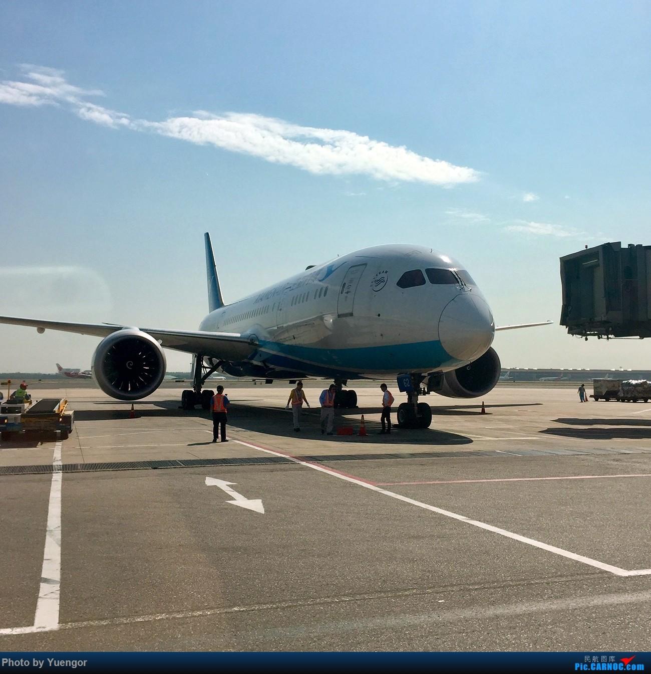 Re:[原创]【兰州飞友会】08.2016 LHW-PEK-AUH-MSQ 暑期返村 BOEING 787-8 B-2762 中国北京首都国际机场