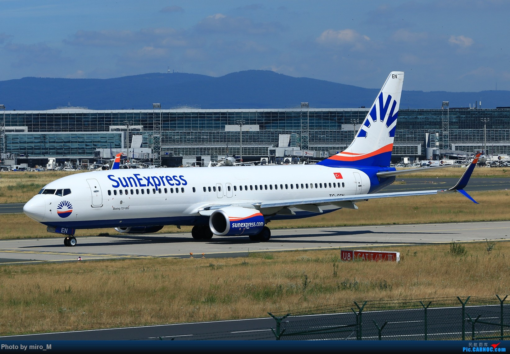 Re:[原创]欧洲浪了一圈,CS100,BAE146,fokker70等新老机型串着飞+ZRH,MUC,FRA,AMS,TLS拍机 BOEING 737-800 TC-SEN FRA