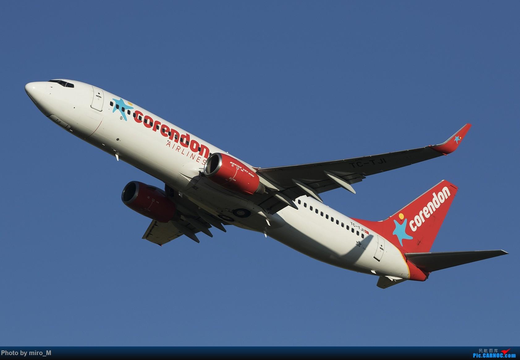 Re:[原创]欧洲浪了一圈,CS100,BAE146,fokker70等新老机型串着飞+ZRH,MUC,FRA,AMS,TLS拍机 BOEING 737-800 TC-TJI AMS