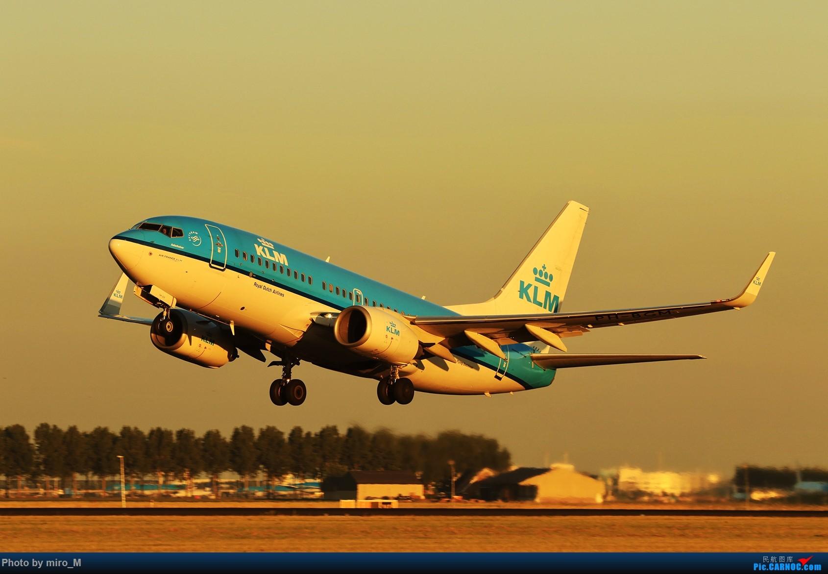 Re:[原创]欧洲小众机型体验之旅,附所到的机场拍机图片(中) BOEING 737-700  AMS