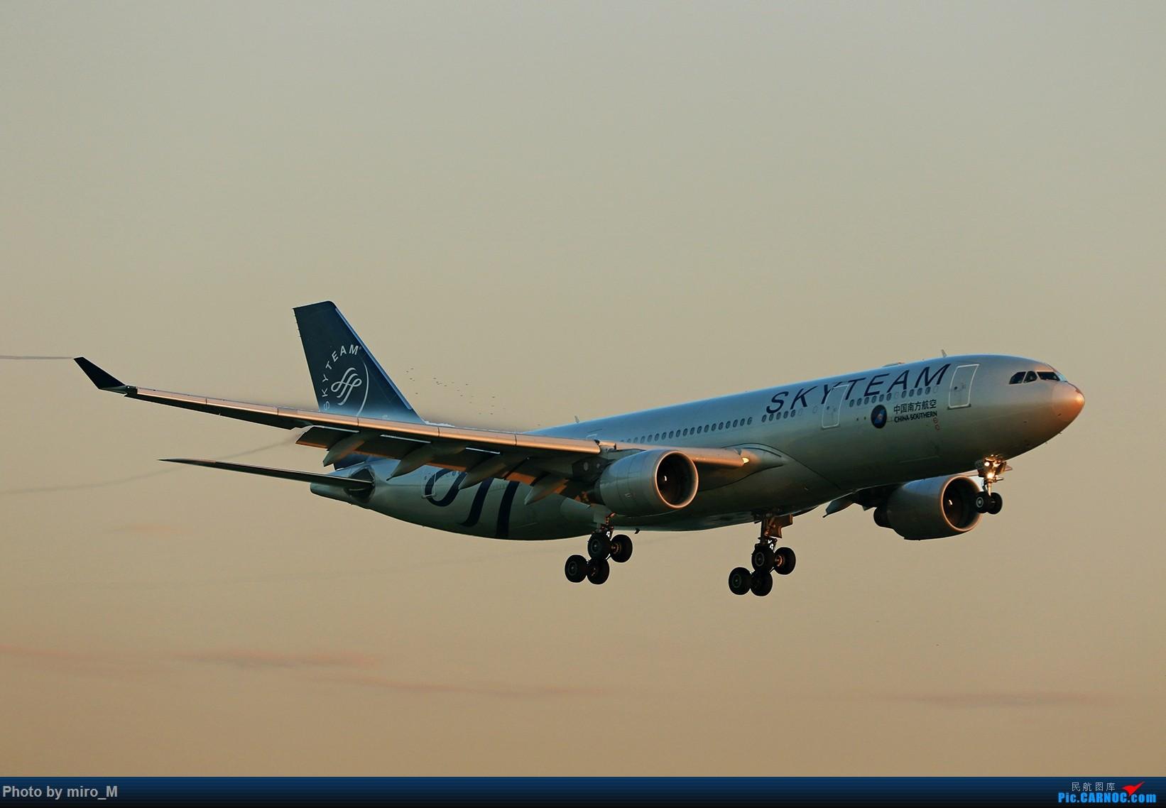 Re:[原创]欧洲小众机型体验之旅,附所到的机场拍机图片(中) AIRBUS A330-200 B-6528 荷兰阿姆斯特丹史基浦机场