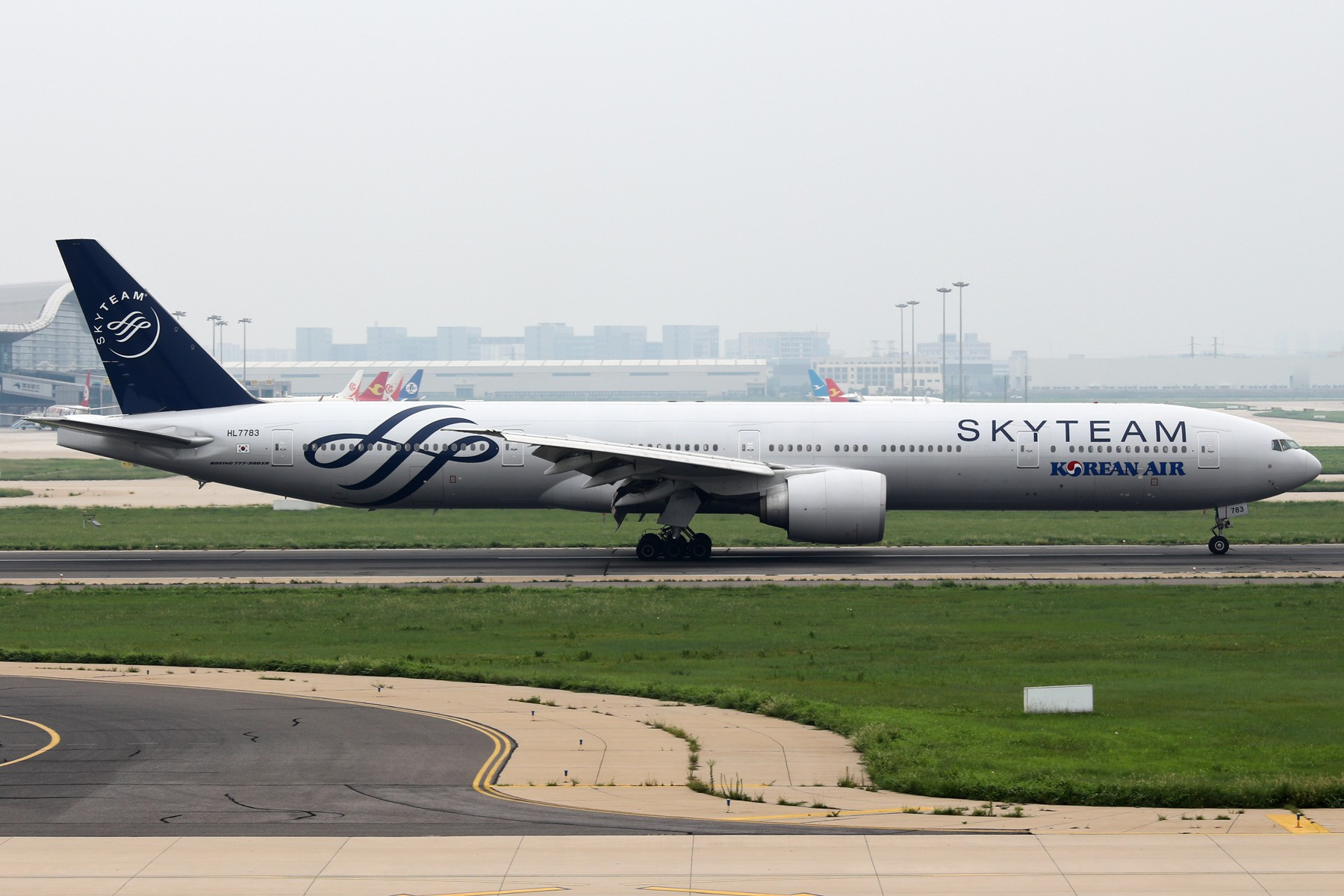 [原创]天津飞友会  大韩航空天合联盟HL7783 BOEING 777-300ER  中国天津滨海国际机场