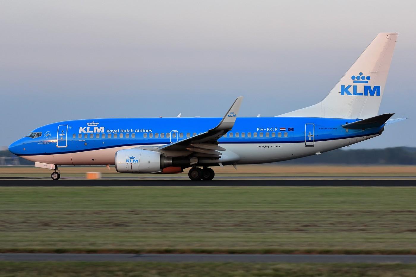 Re:[原创]【AMS】傍晚小动感一组 BOEING 737-700 PH-BGP 荷兰阿姆斯特丹史基浦机场
