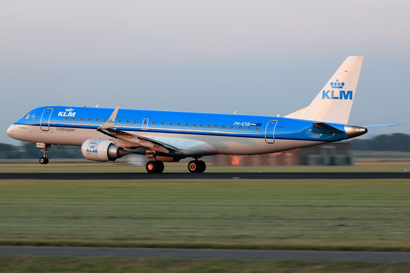 Re:[原创]【AMS】傍晚小动感一组 EMBRAER E-190 PH-EXB 荷兰阿姆斯特丹史基浦机场