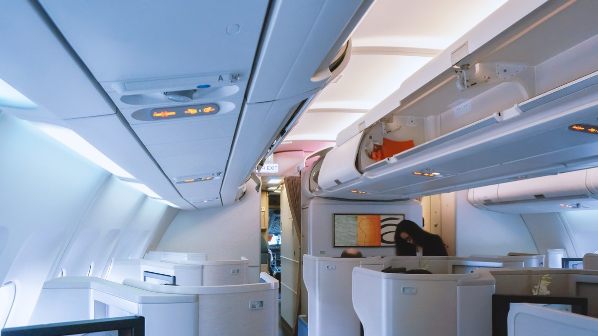 Re: [原创]【 回国八万里 | 兑现一个三年的承诺 | 金色海峡 | 下集 】 AIRBUS A330-300 B-HLS 中国上海浦东国际机场