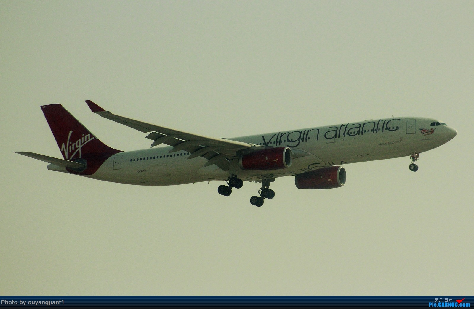 Re:[原创]很多年没有来贴图区了,记一次本不在计划中的迪拜拍机之行,在漫天黄沙中EK的380和777真的看到吐血.... AIRBUS A330-300 G-VINE 阿拉伯联合酋长国迪拜国际机场
