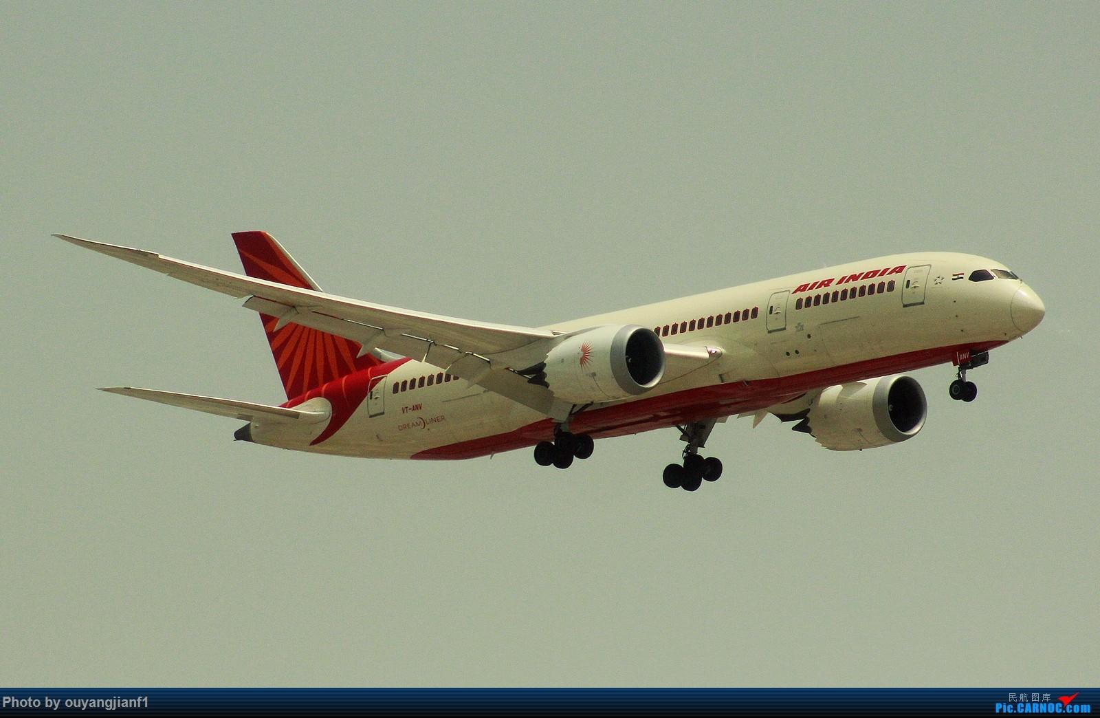 Re:[原创]很多年没有来贴图区了,记一次本不在计划中的迪拜拍机之行,在漫天黄沙中EK的380和777真的看到吐血.... BOEING 787-8 VT-ANV 阿拉伯联合酋长国迪拜国际机场