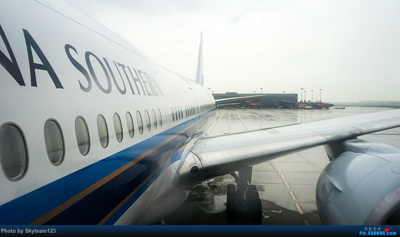 Re:[原创]《Simon游记》第五季第十集 CZ3538 SHA-CAN B777-300ER 菜航临阵更换机型 今年搭乘全空客计划泡汤 再次搭乘77W 首见七彩客舱