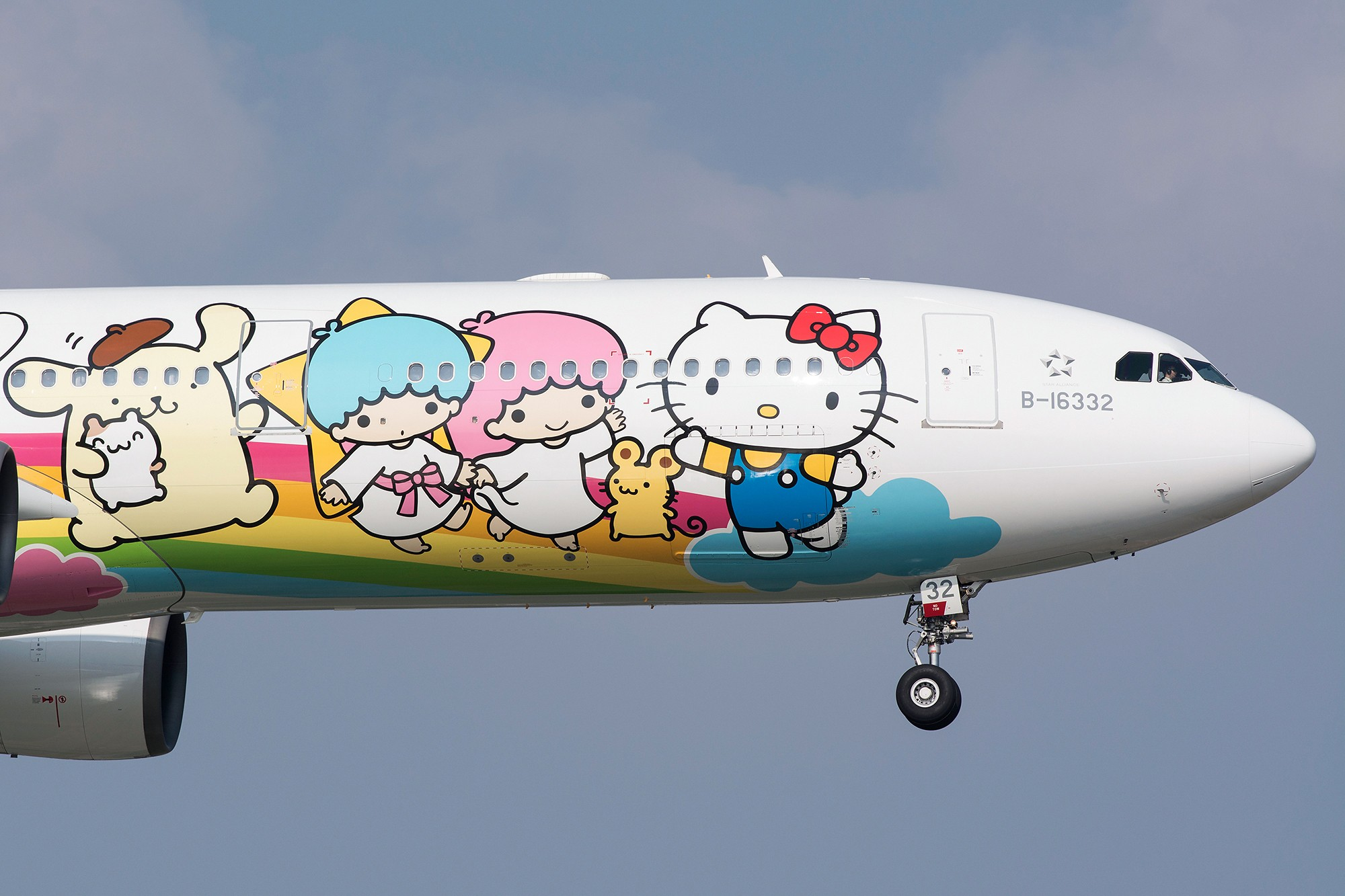 [原创][SHA] 首拍新喵机~~~ AIRBUS A330-300 B-16332 中国上海虹桥国际机场