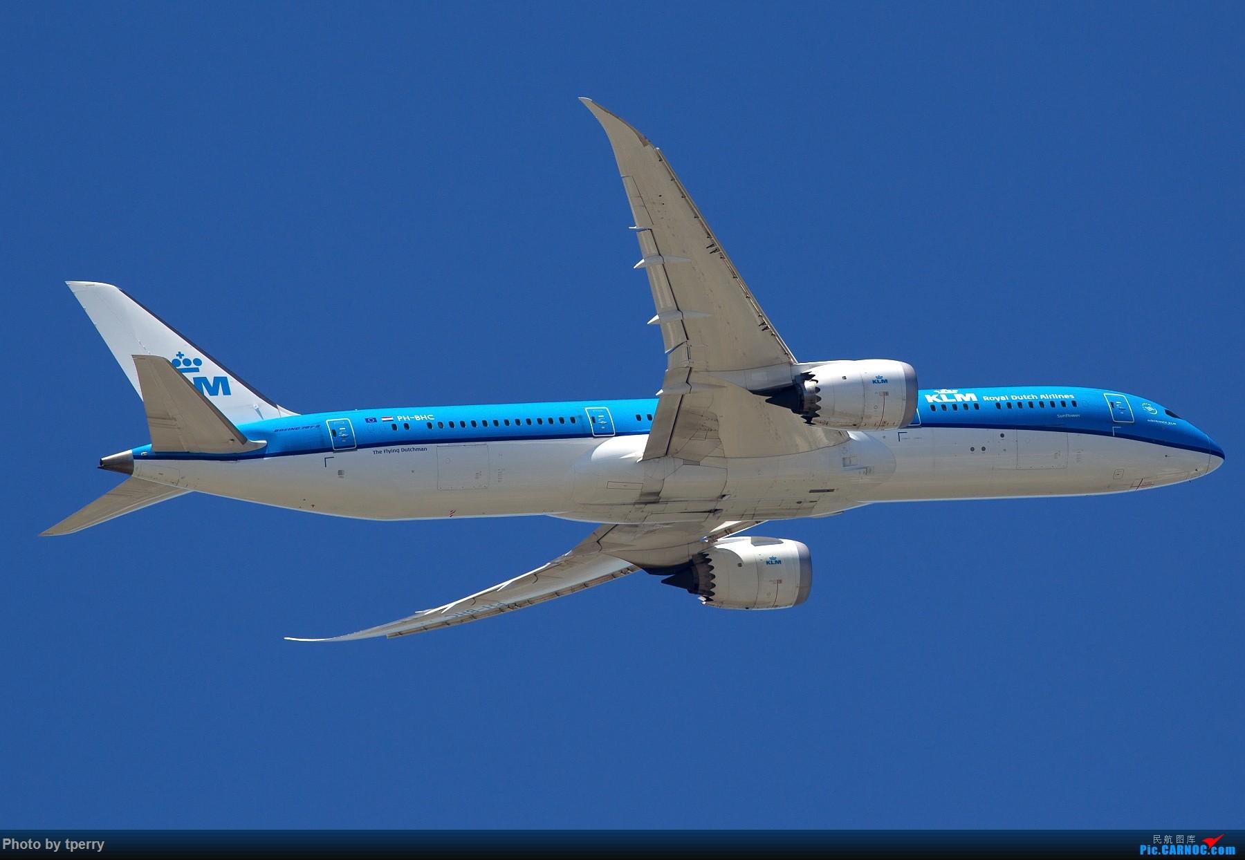 Re:[原创]【1800大图】蓝天来好货的机会可真不多 关键词:汉莎拜仁 米老鼠 达美天合 AIRBUS A350-900 PH-BHC 中国北京首都国际机场