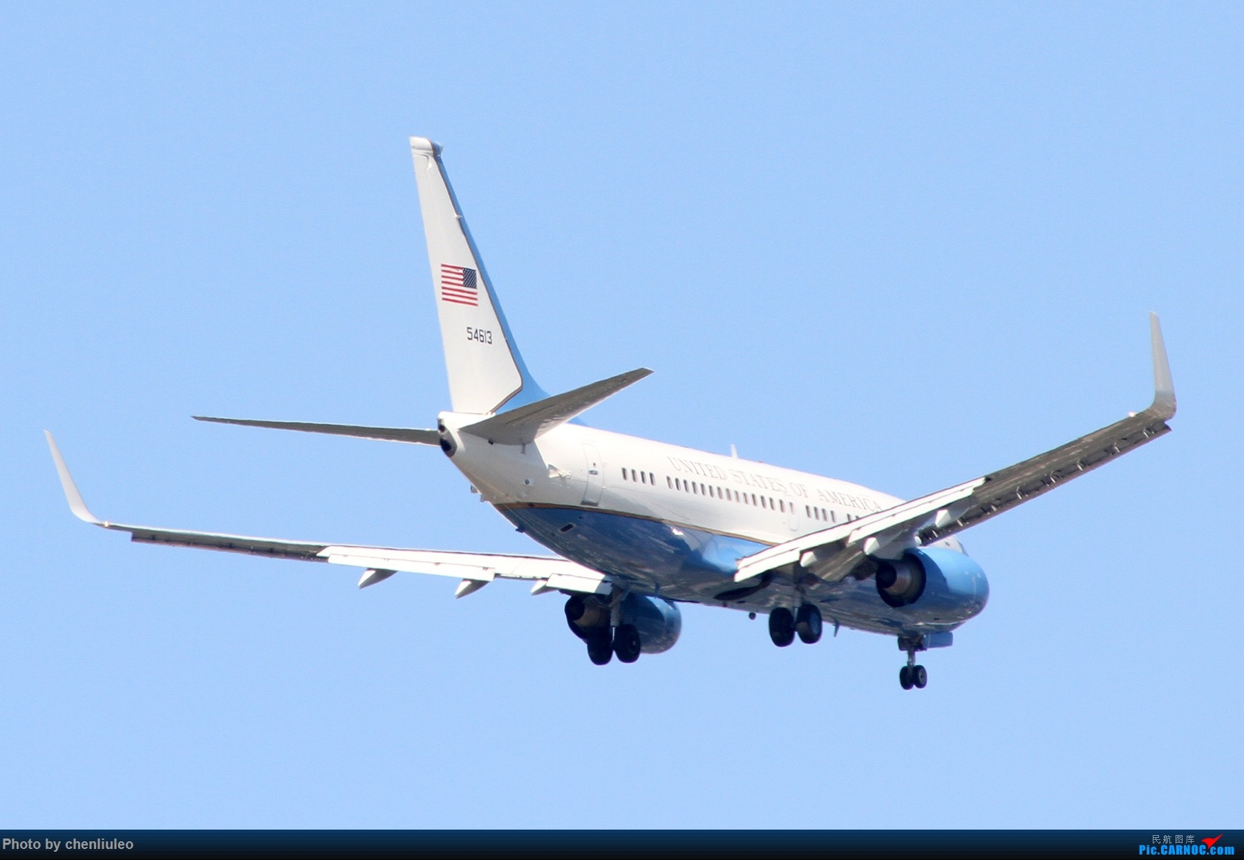 Re:[原创]【北美飞友会】本来是去等西南航空的新加州一号彩绘 结果有意外惊喜 美军C-40C BOEING C-40C 737-7DM 05-4613 美国圣路易斯机场