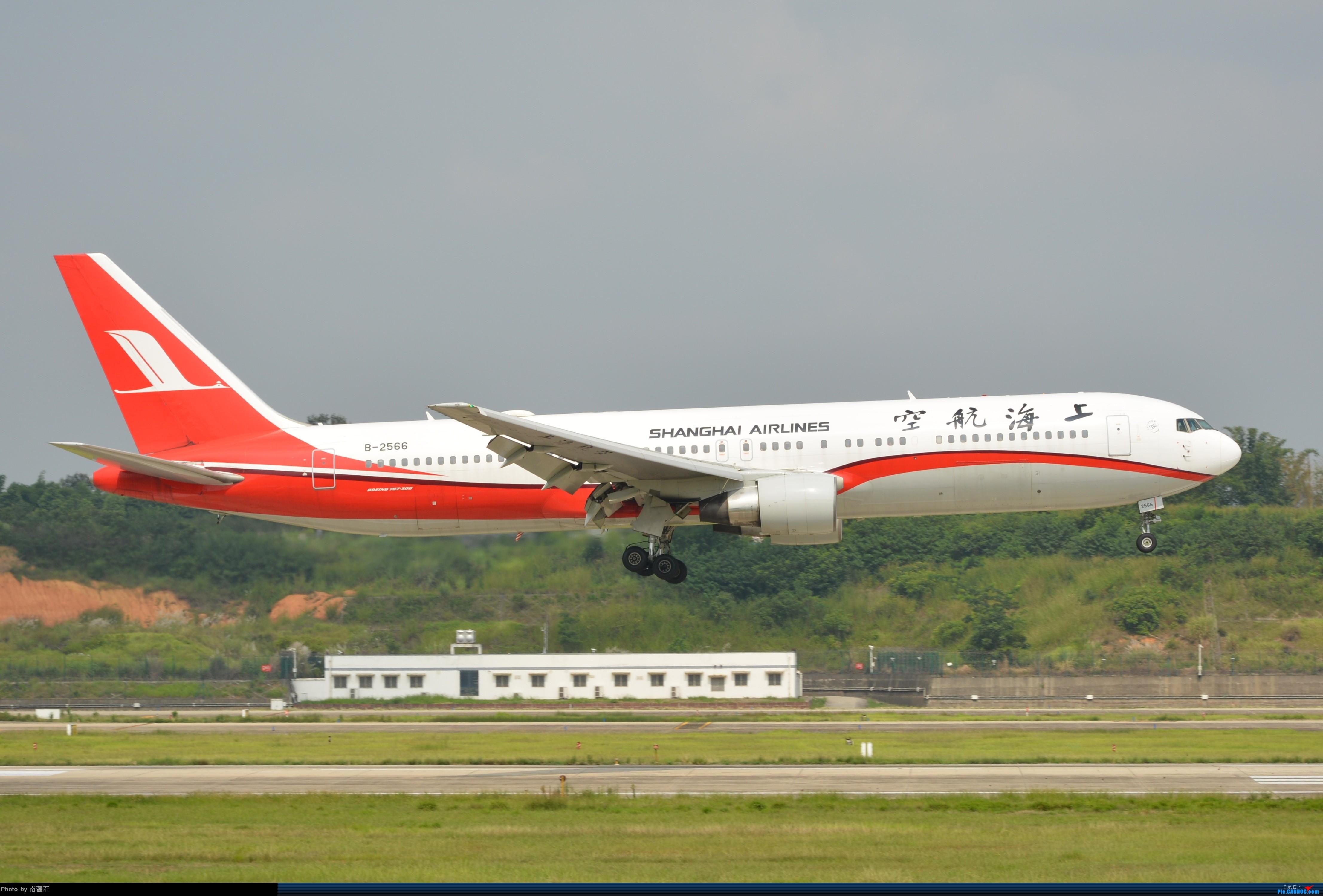 Re:[原创]CTU 朝阳下的上航763 BOEING 767-300 B-2566 中国成都双流国际机场