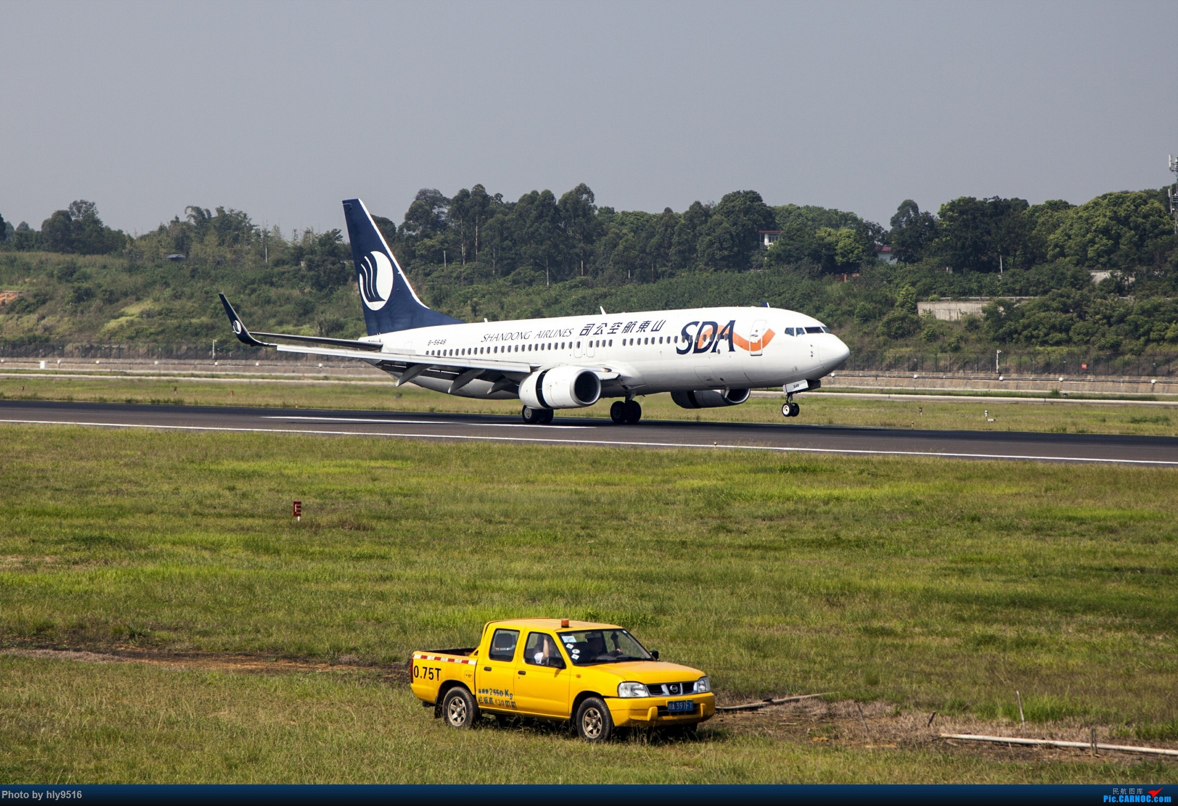 [原创]【CTU】羡慕内场小黄车还有听说CA748来了 BOEING 737-800 B-5648 中国成都双流国际机场