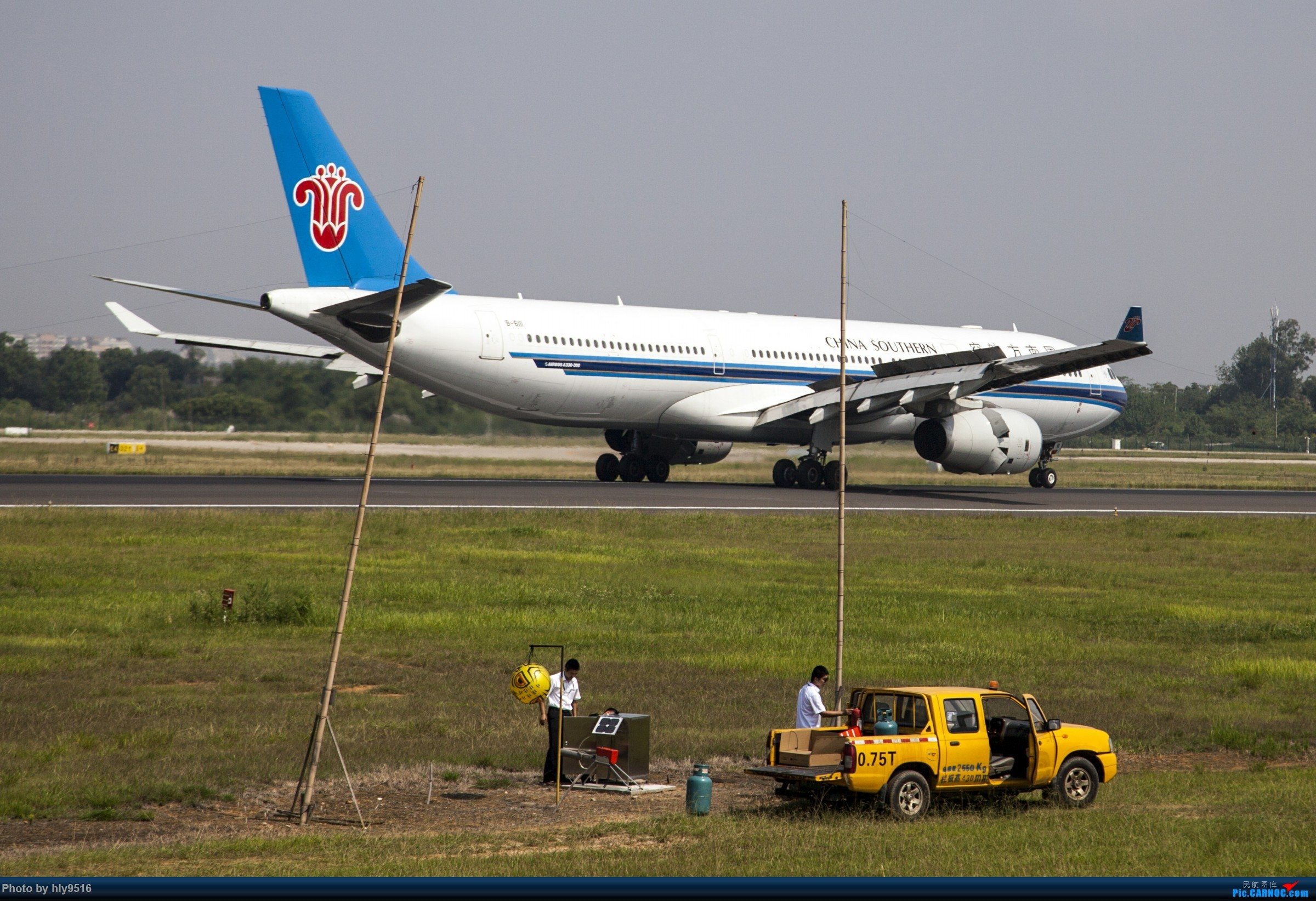 Re:【CTU】羡慕内场小黄车还有听说CA748来了 AIRBUS A330-300 B-6111 中国成都双流国际机场