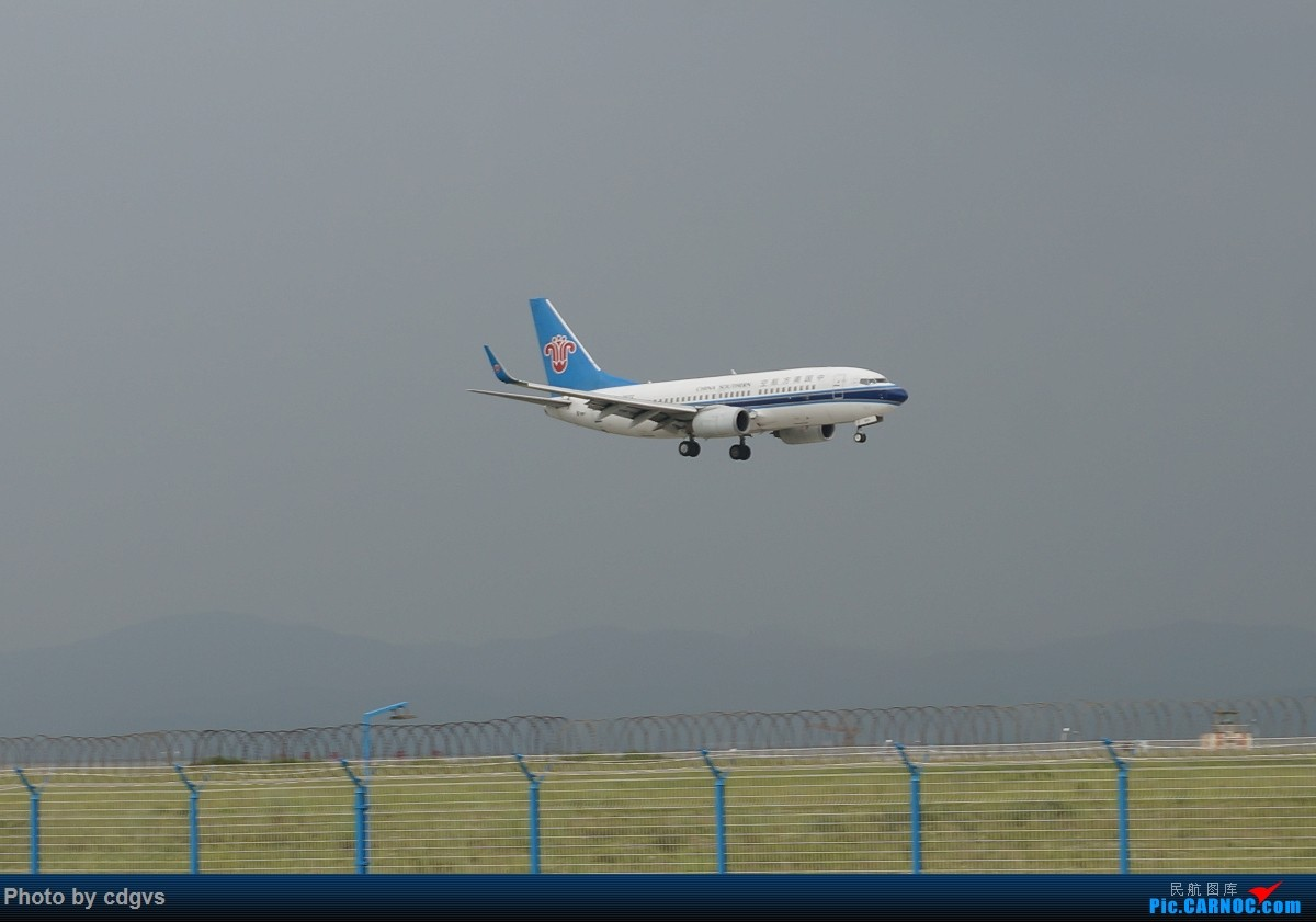 Re:[原创]【KMG】阴天独游长水,有宽体,有彩绘 BOEING 737-700 B-2622 中国昆明长水国际机场
