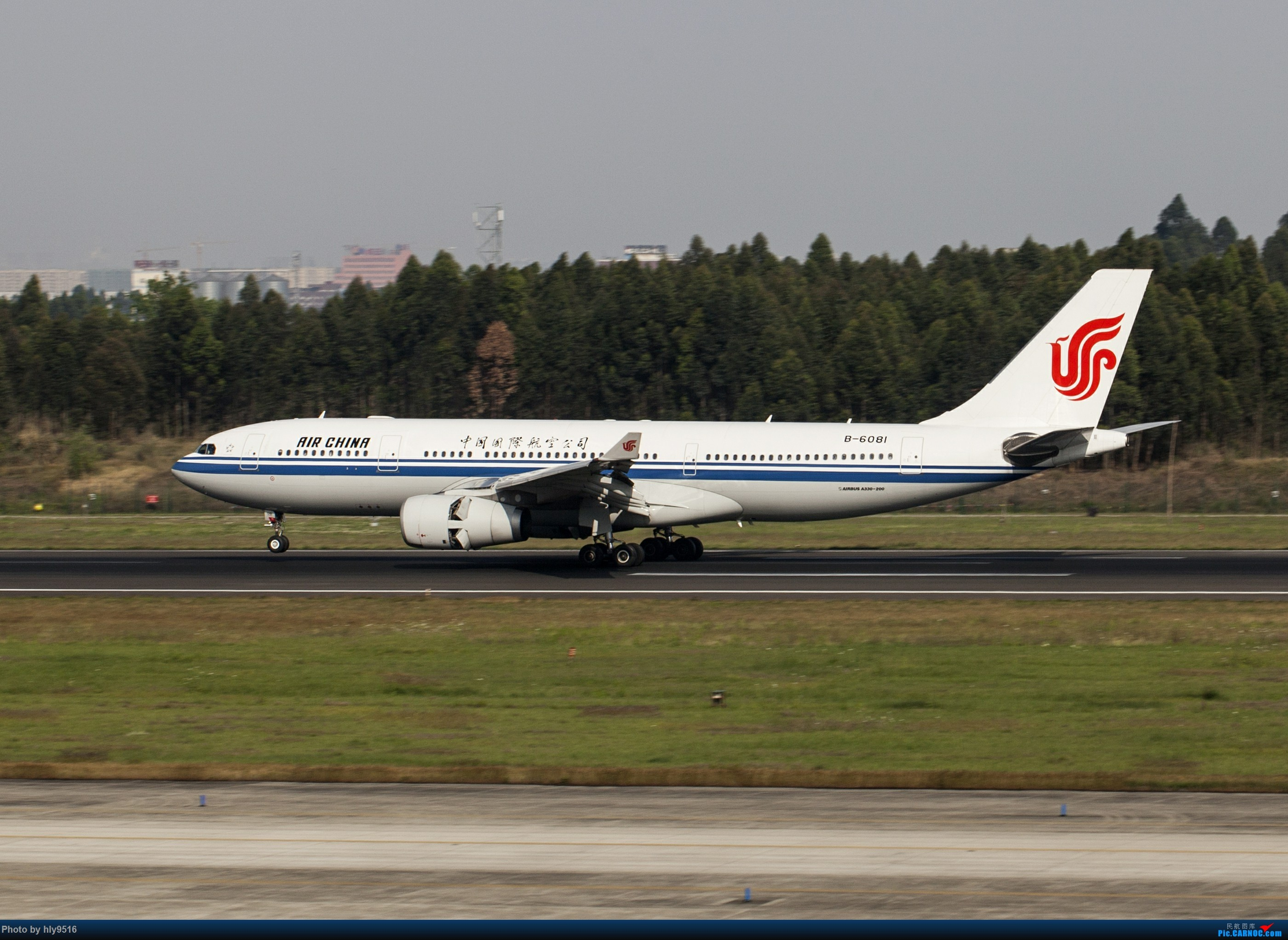 Re:[原创]【CTU】去年冬天老图一组,论成都的极致雾霾烂天 AIRBUS A330-200 B-6081 中国成都双流国际机场