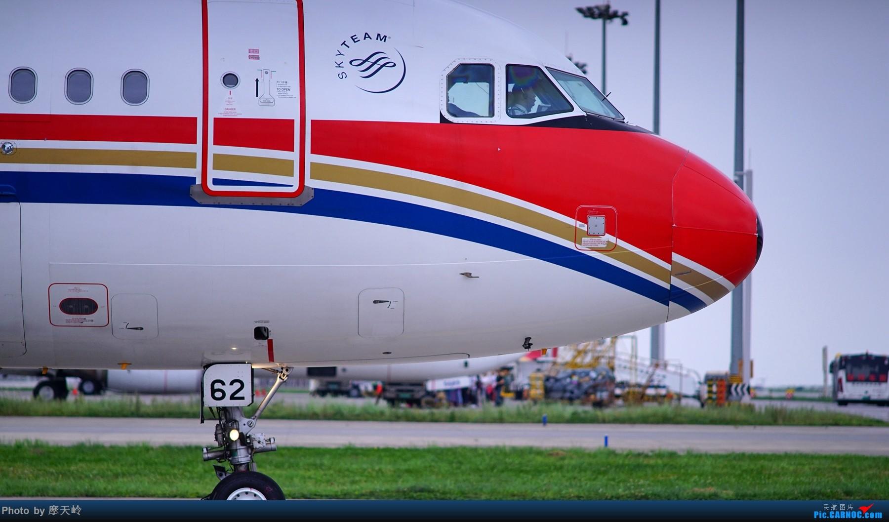 Re:[原创]kmg 东西跑道追拍飞机    中国昆明长水国际机场
