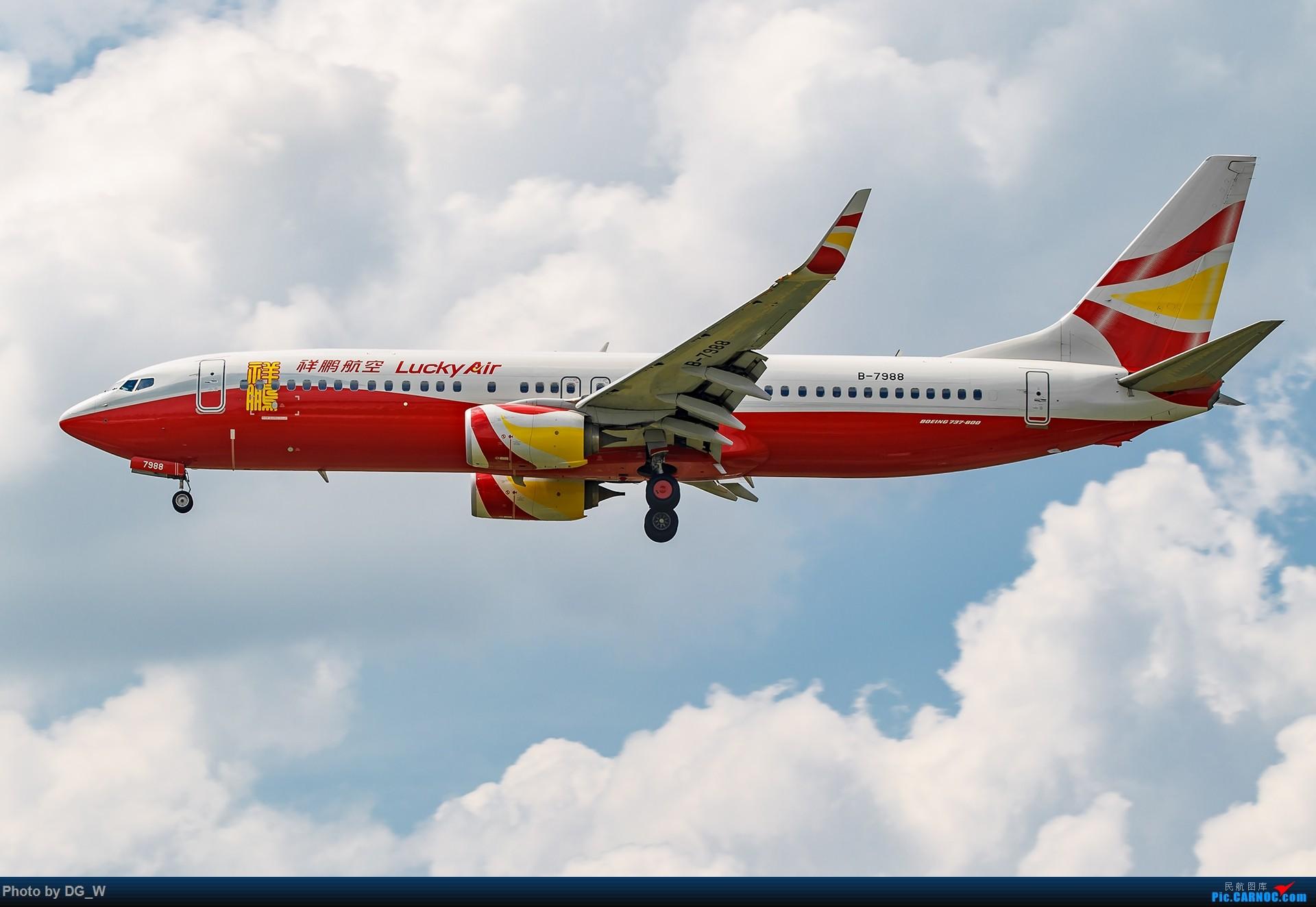 Re:[原创]【南宁飞友】难得的23跑道落地视角和宽体机 BOEING 737-800 B-7988 中国南宁吴圩国际机场