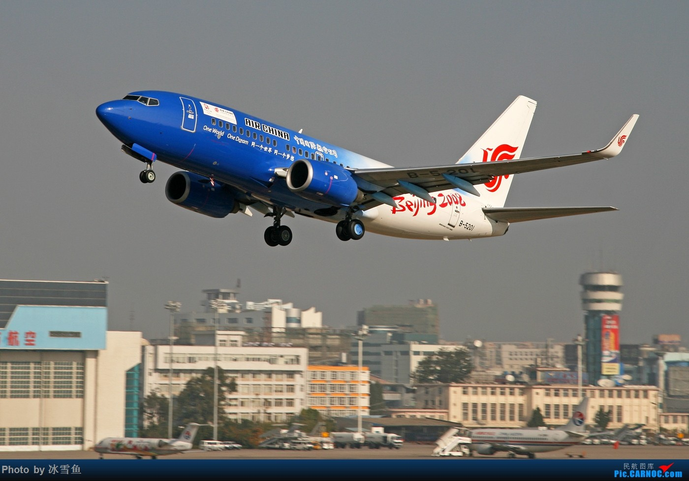 Re:[公告]传承奥运精神 寻找那些年曾经拍过的国航奥运彩绘机~ 贴图有大奖哦!!! BOEING 737-700 B-5201 中国昆明巫家坝国际机场