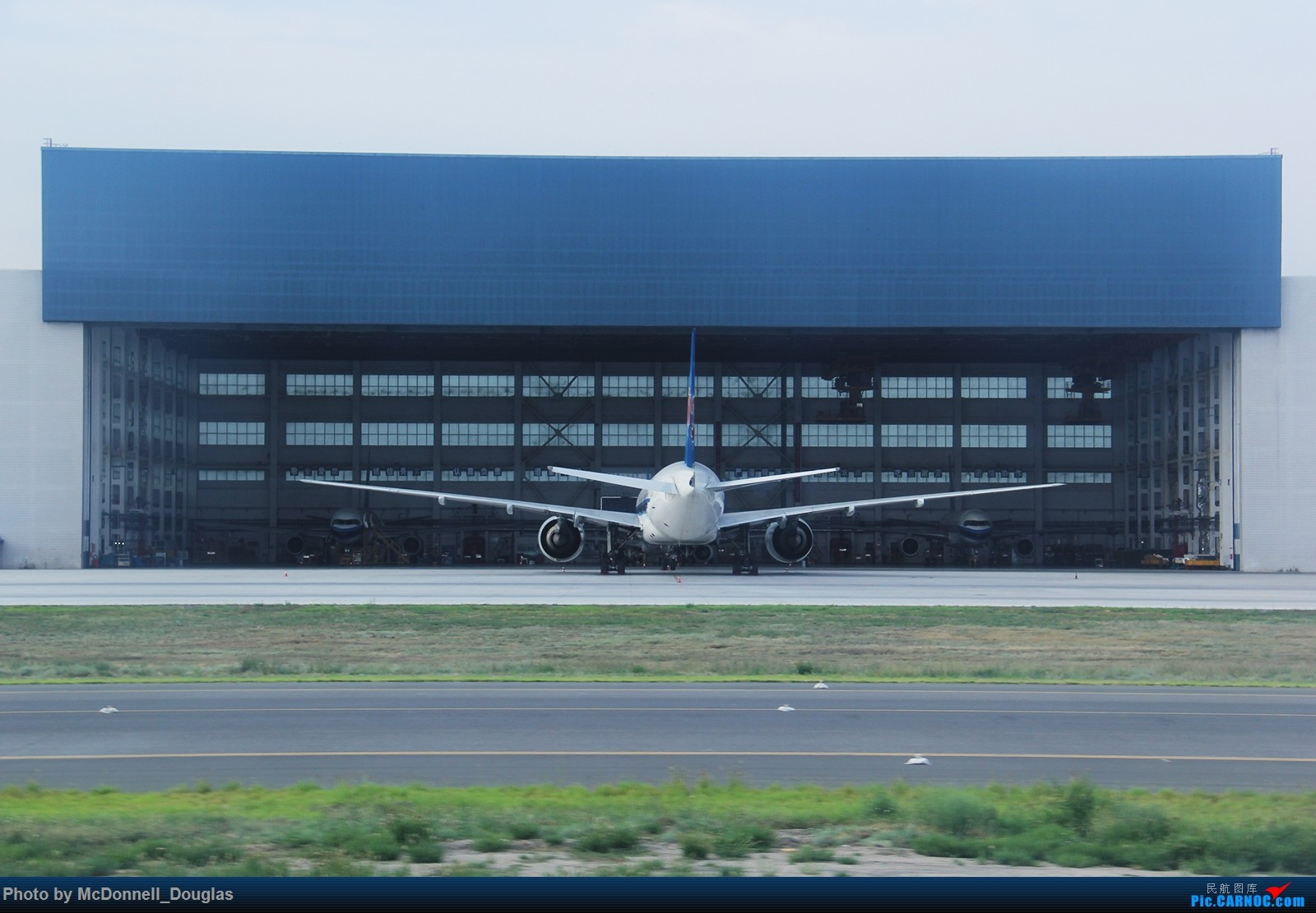 Re:[原创]【上海飞友会】【zc带你走天下(3)】再访祖辈年轻时工作的土地,父母年少时生活戈壁,跨越大半个中国去看新疆,回程小游蓉城(下) BOEING 777-21B B-2054 中国乌鲁木齐地窝堡国际机场