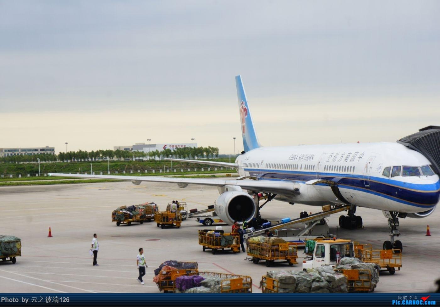 Re:[原创]---步入中原,时隔三年意外遇见你 NKG-XIY-HFE--- BOEING 757-200 B-2851 中国合肥新桥国际机场