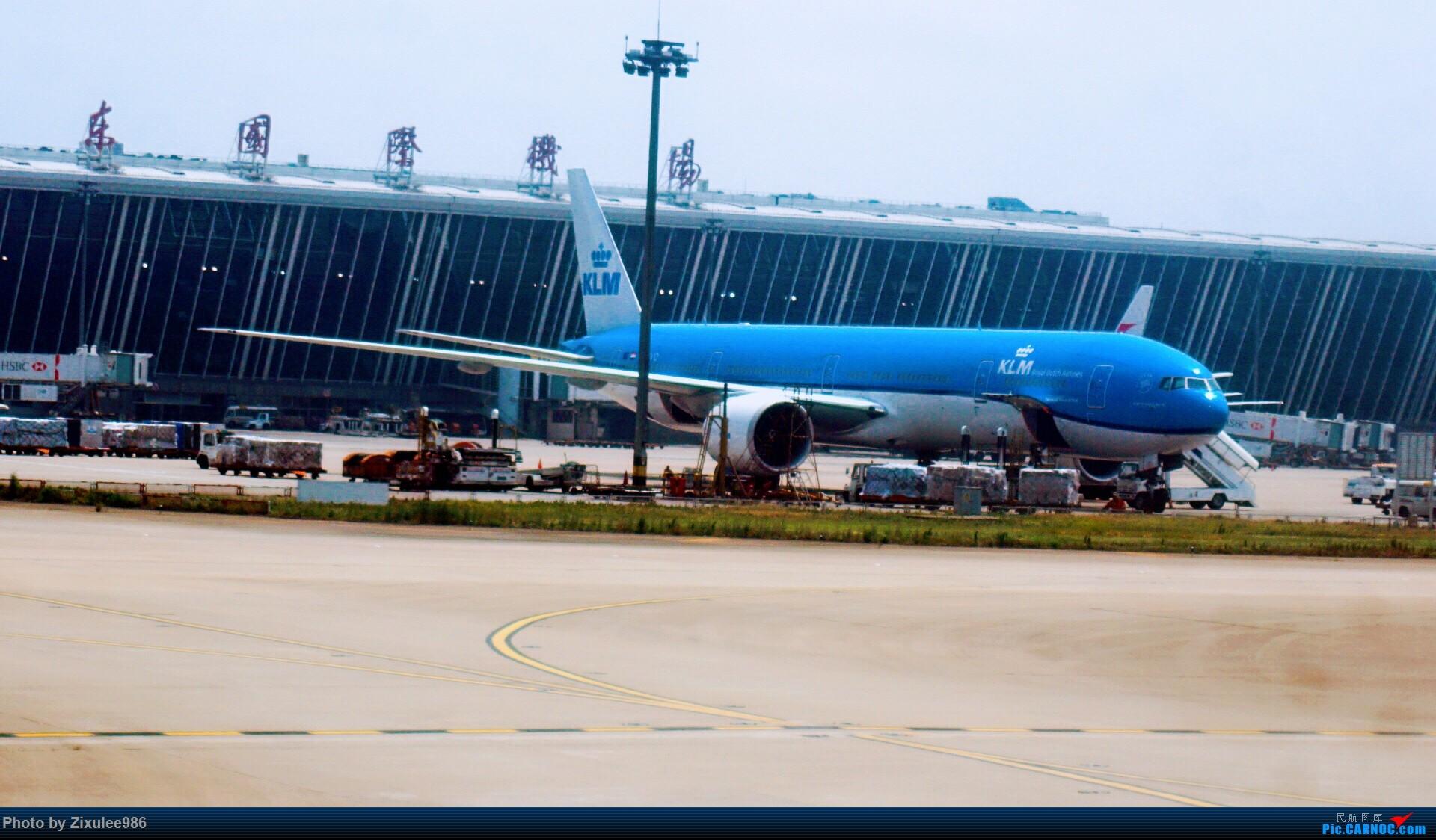 Re:[原创]加拿大21日游学之旅(一)~JJN-PVG-YYZ..(内含flightlog)~第一次发游记~多图缓更请谅解 BOEING 777-306(ER) PH-BVO 中国上海浦东国际机场