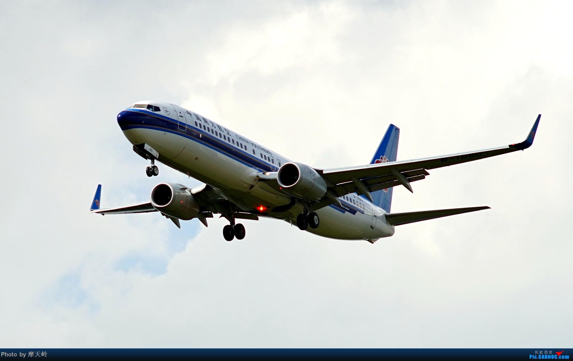 Re:[原创]昆明长水 西跑道头拍机 BOEING 737-800 B-1950 中国昆明长水国际机场