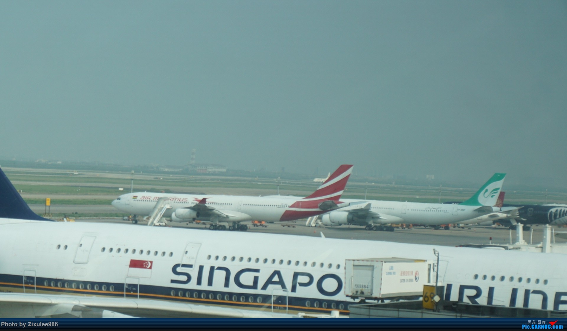 Re:[原创]加拿大21日游学之旅(一)~JJN-PVG-YYZ..(内含flightlog)~第一次发游记~多图缓更请谅解 AIRBUS A380-841 9V-SKL 中国上海浦东国际机场