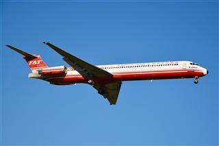 CTU 之蓝天下的远东航空公司MD-83