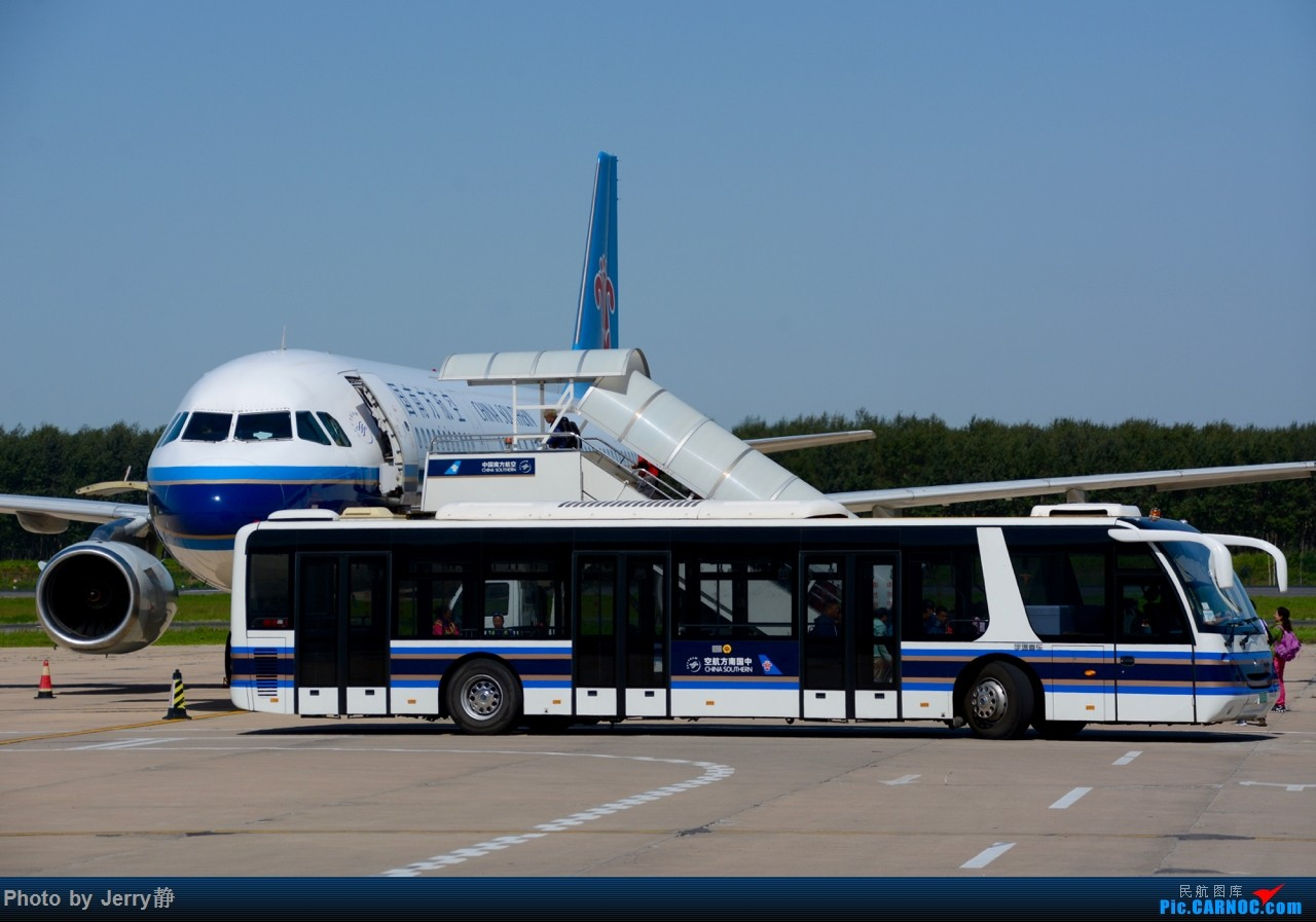 Re:[原创][SHE]八月底沈阳桃仙国际机场拍机,万里无云的天气    中国沈阳桃仙国际机场