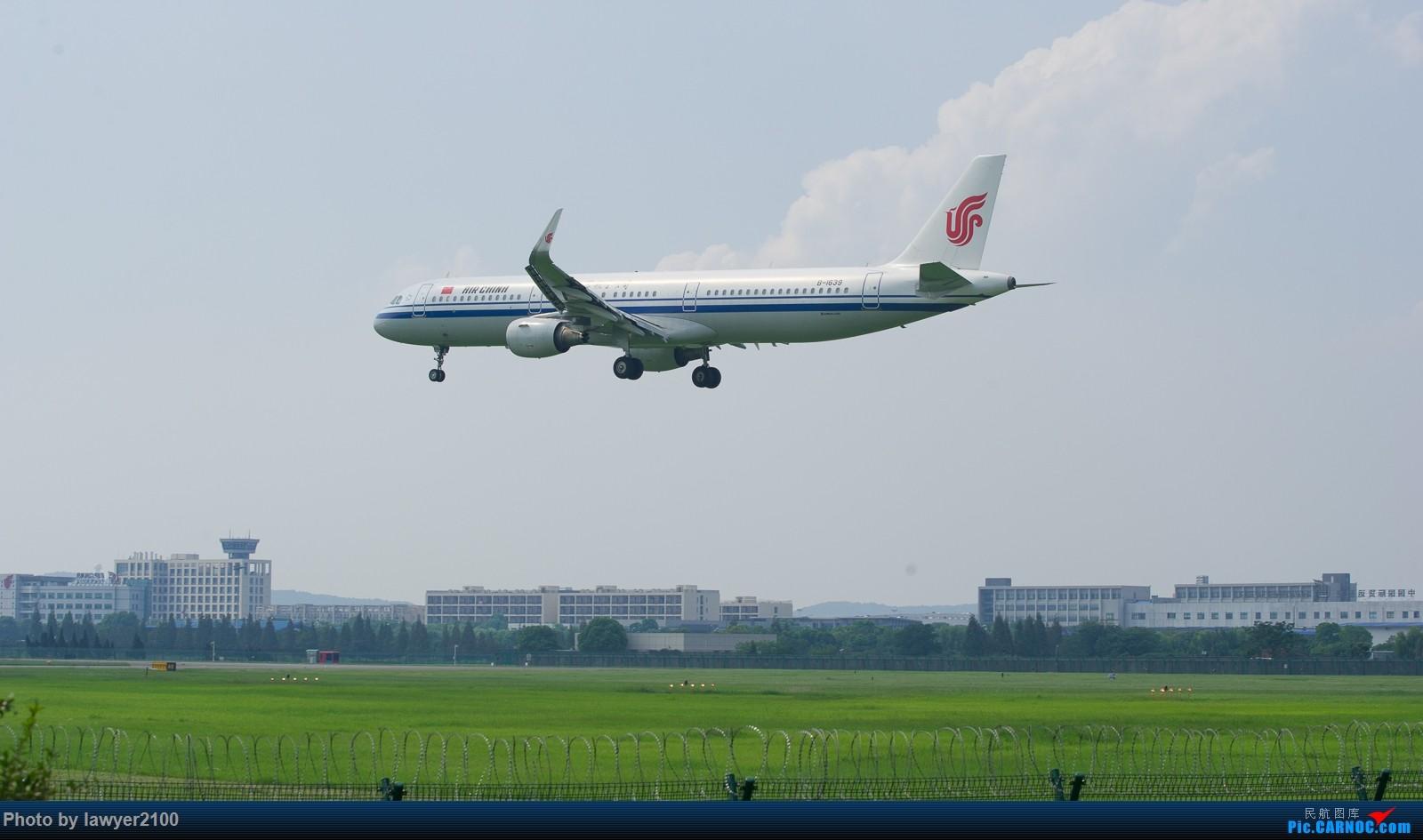 Re:[原创]HGH,一组落地背影 AIRBUS A321-200 B-1639 中国杭州萧山国际机场